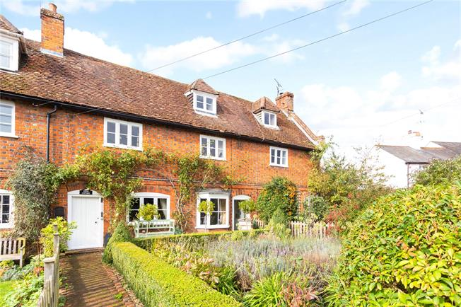 Guide Price £759,000, 4 Bedroom Terraced House For Sale in Codicote, SG4