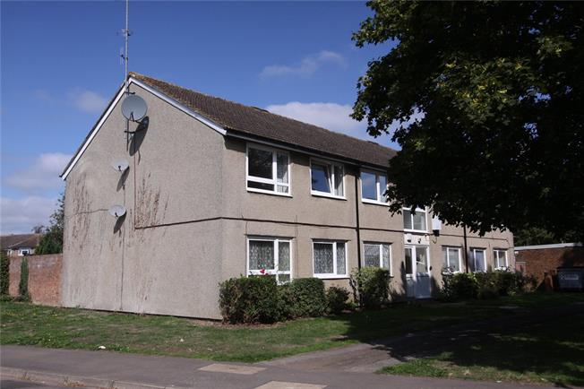 Guide Price £220,000, 2 Bedroom Flat For Sale in Wheathampstead, Hertofrds, AL4