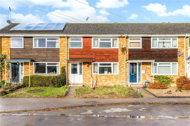 Guide Price £325,000, 3 Bedroom Terraced House For Sale in Kimpton, SG4