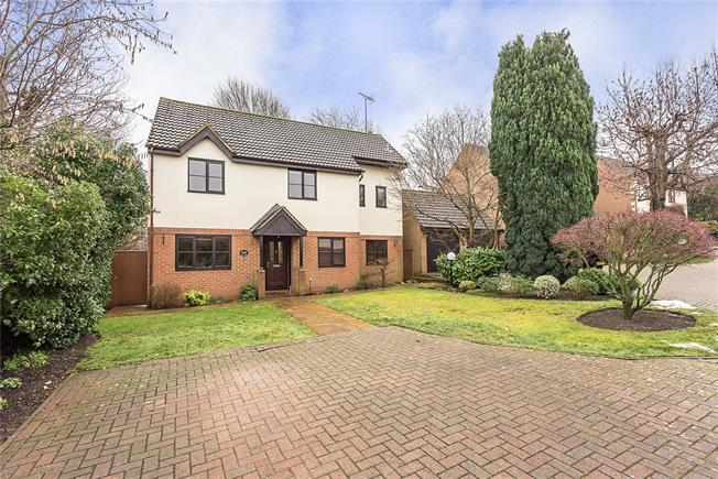 Guide Price £825,000, 4 Bedroom Detached House For Sale in Wheathampstead, AL4