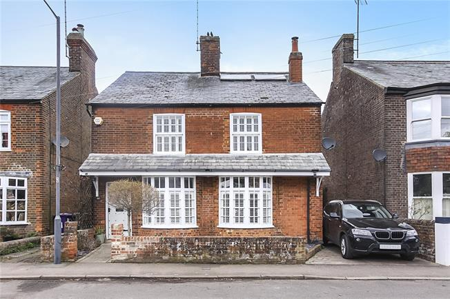 Guide Price £775,000, 4 Bedroom Detached House For Sale in Kimpton, SG4
