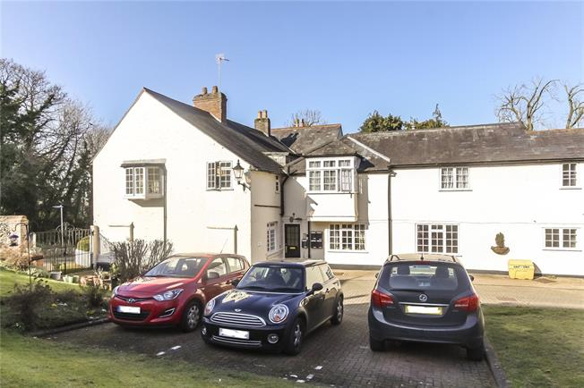 Guide Price £185,000, 1 Bedroom Flat For Sale in Wheathampstead, AL4