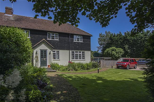Guide Price £649,950, 4 Bedroom Semi Detached House For Sale in Redbourn, Hertfordshire, AL3