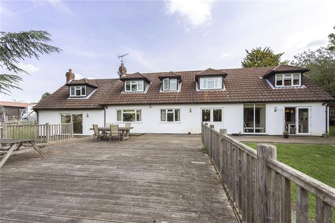 Asking Price £1,600,000, 5 Bedroom Detached House For Sale in Markyate, AL3