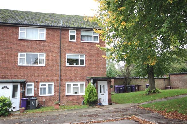 Asking Price £235,000, 2 Bedroom Flat For Sale in Kimpton, SG4