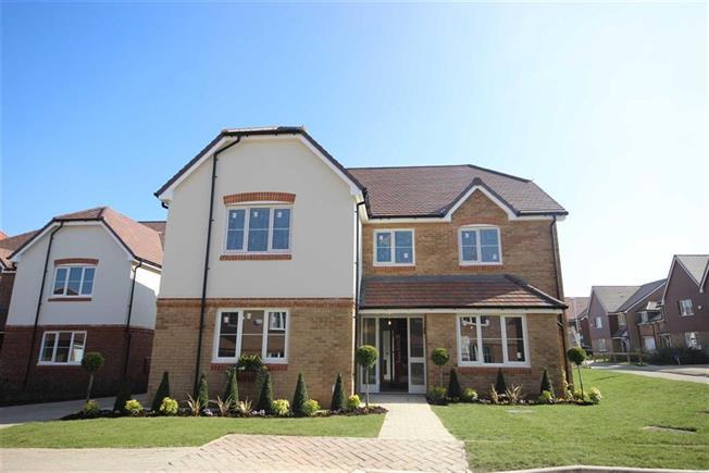 Asking Price £1,200,000, 6 Bedroom Detached House For Sale in Harpenden, Hertfordshire, AL5