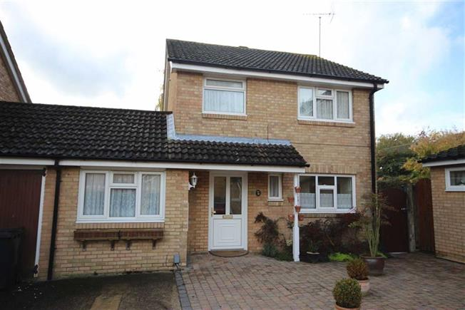Asking Price £520,000, 3 Bedroom Detached House For Sale in Harpenden, Hertfordshire, AL5