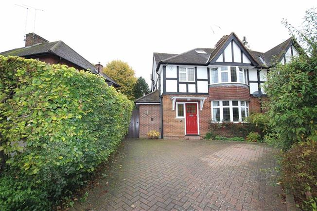 Asking Price £850,000, 4 Bedroom Semi Detached House For Sale in Harpenden, AL5