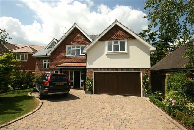 Guide Price £1,695,000, 5 Bedroom Detached House For Sale in Harpenden, AL5