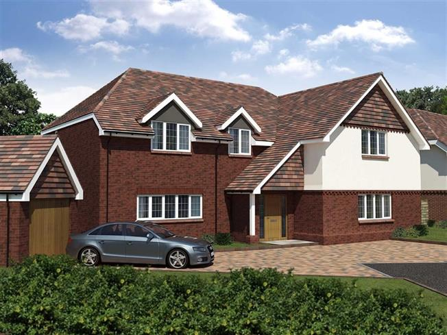 Guide Price £1,975,000, 4 Bedroom Detached House For Sale in Harpenden, Herts, AL5