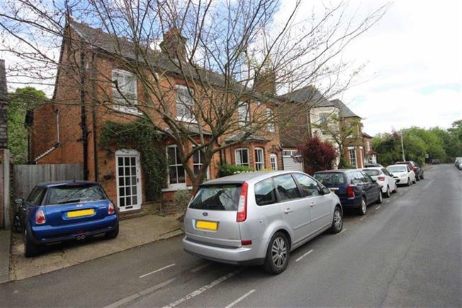 Guide Price £970,000, 4 Bedroom Semi Detached House For Sale in Harpenden, AL5