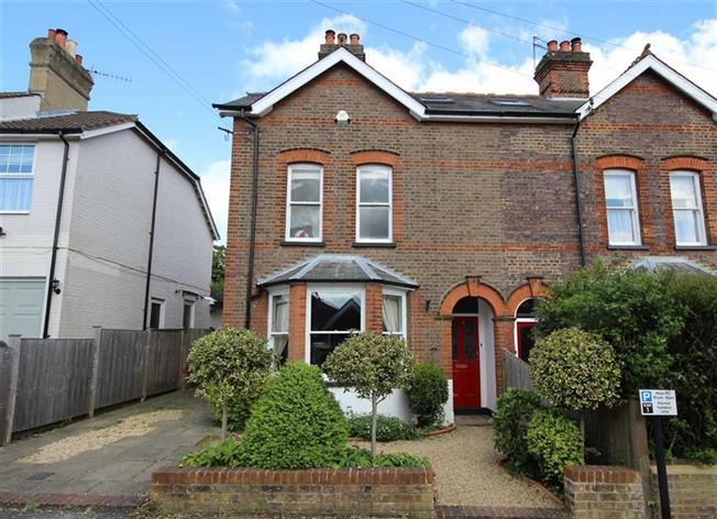 Guide Price £1,250,000, 5 Bedroom Semi Detached House For Sale in Harpenden, AL5