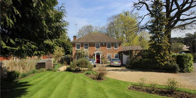 Guide Price £1,495,000, 4 Bedroom Detached House For Sale in Harpenden, Hertfordshire, AL5