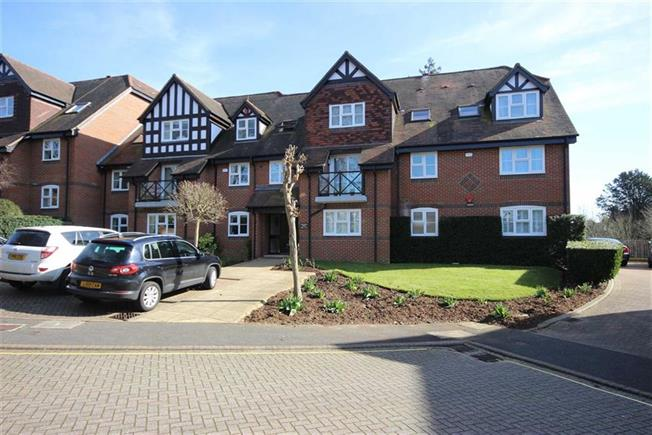 Guide Price £1,100,000, 3 Bedroom Apartment For Sale in Harpenden, AL5