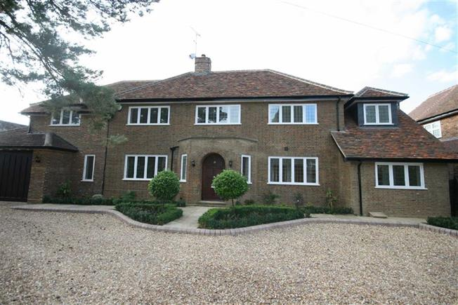 Guide Price £2,350,000, 5 Bedroom Detached House For Sale in Harpenden, Hertfordshire, AL5