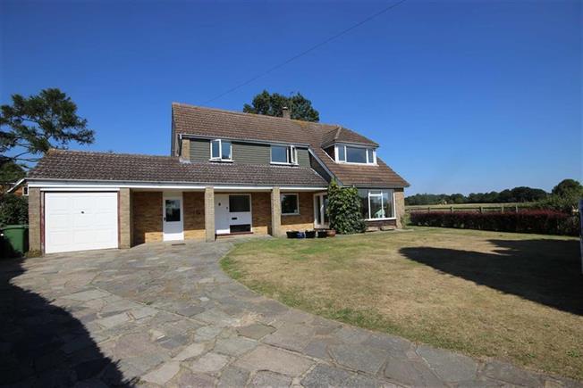 Guide Price £1,095,000, 3 Bedroom Detached House For Sale in Harpenden, Hertfordshire, AL5