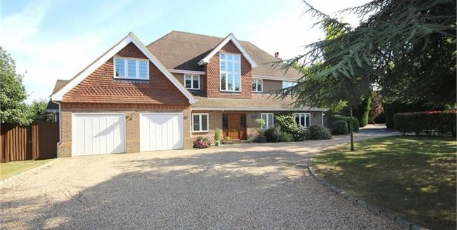 Guide Price £2,250,000, 6 Bedroom Detached House For Sale in Harpenden, Hertfordshire, AL5
