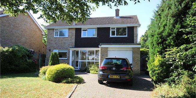 Asking Price £1,100,000, 4 Bedroom Detached House For Sale in Harpenden, AL5
