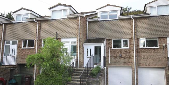 Guide Price £585,000, 3 Bedroom Terraced House For Sale in Harpenden, Hertfordshire, AL5