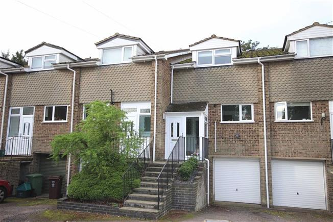 Guide Price £585,000, 3 Bedroom Terraced House For Sale in Harpenden, AL5