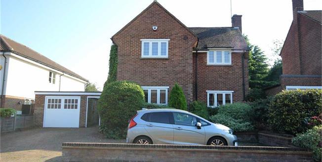Guide Price £1,000,000, 3 Bedroom Detached House For Sale in Harpenden, AL5