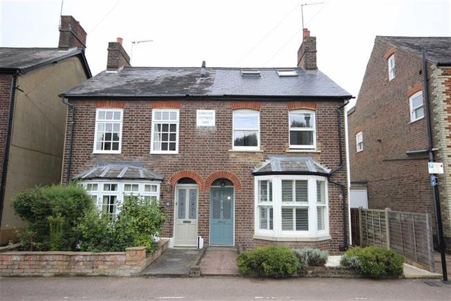 Guide Price £750,000, 3 Bedroom Semi Detached House For Sale in Harpenden, Hertfordshire, AL5