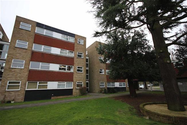 Asking Price £275,000, 1 Bedroom Apartment For Sale in Harpenden, AL5