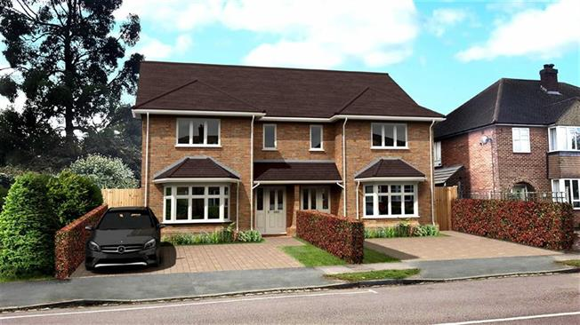Guide Price £845,000, 4 Bedroom Semi Detached House For Sale in St Albans, Hertfordshire, AL4