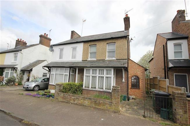 Guide Price £450,000, 2 Bedroom Semi Detached House For Sale in Harpenden, AL5
