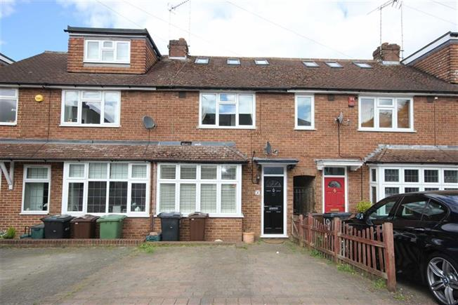 Guide Price £575,000, 3 Bedroom Terraced House For Sale in Harpenden, AL5