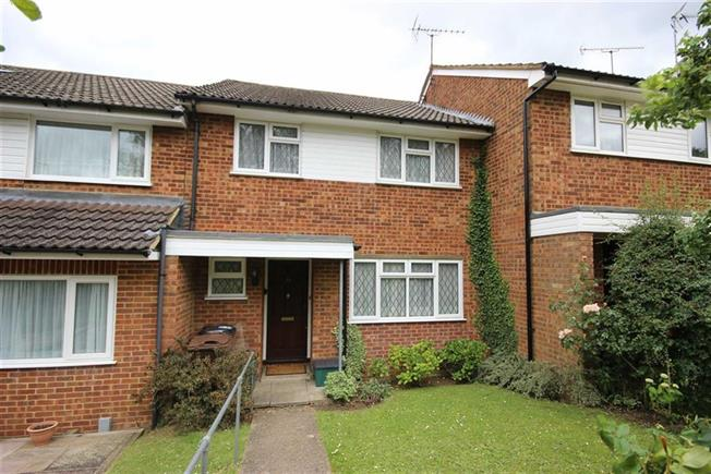 Asking Price £435,000, 3 Bedroom For Sale in Harpenden, AL5