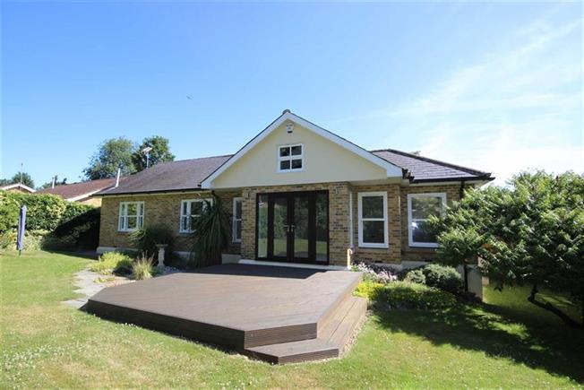 Guide Price £795,000, 2 Bedroom Semi Detached House For Sale in Harpenden, AL5