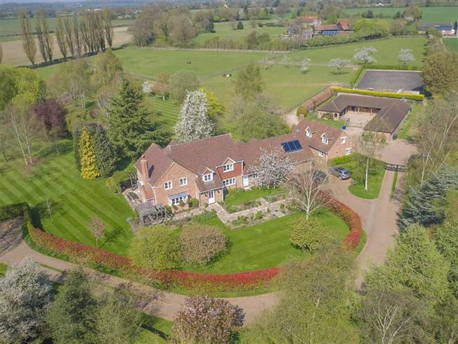 Guide Price £3,750,000, 6 Bedroom Detached House For Sale in Harpenden, AL5