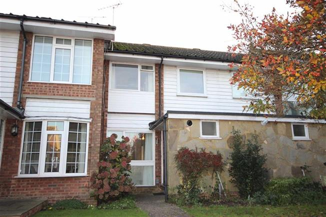 Guide Price £500,000, 3 Bedroom Terraced House For Sale in Harpenden, AL5