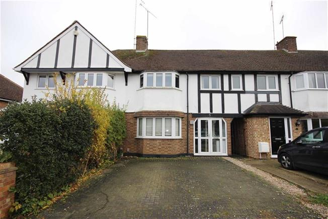 Guide Price £635,000, 3 Bedroom Terraced House For Sale in Harpenden, AL5