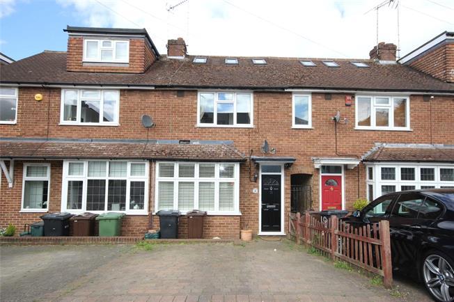 Guide Price £575,000, 3 Bedroom Terraced House For Sale in Harpenden, AL5