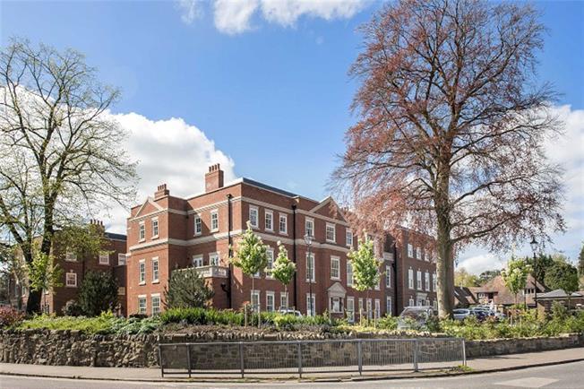 Asking Price £1,300,000, 2 Bedroom Flat For Sale in Harpenden, Hertfordshire, AL5
