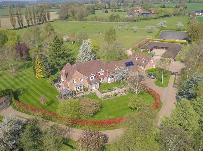Guide Price £3,750,000, 6 Bedroom Detached House For Sale in Harpenden, Herts, AL5