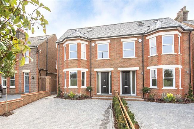Guide Price £1,000,000, 4 Bedroom Semi Detached House For Sale in Harpenden, AL5