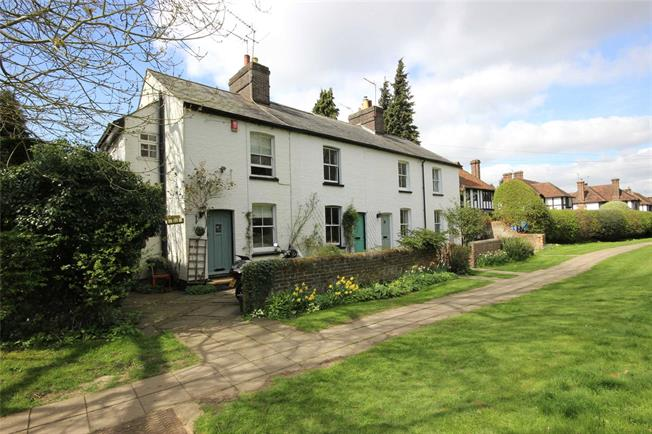 Guide Price £555,000, 3 Bedroom End of Terrace House For Sale in Harpenden, Herts, AL5