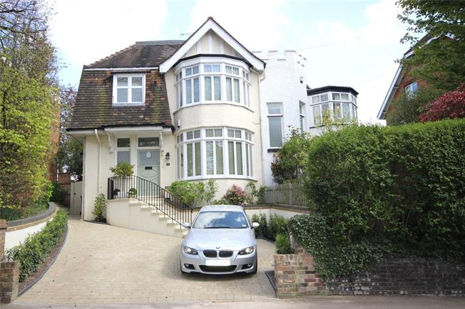 Guide Price £1,150,000, 5 Bedroom Semi Detached House For Sale in Harpenden, AL5