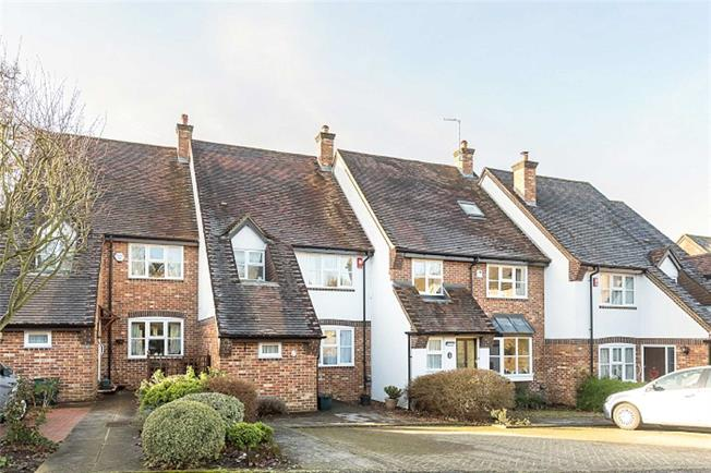 Guide Price £695,000, 2 Bedroom Terraced House For Sale in Harpenden, AL5