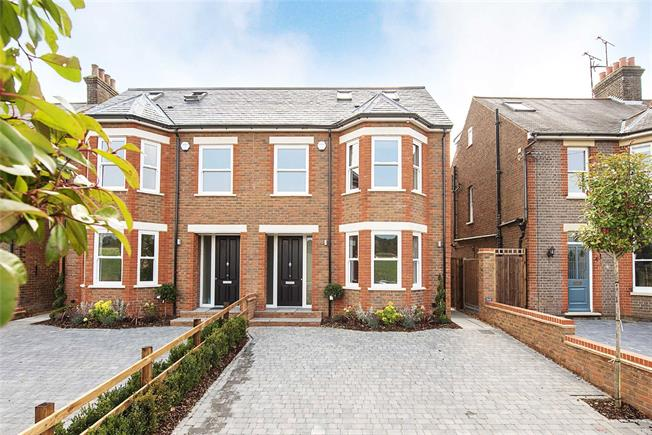Guide Price £995,000, 4 Bedroom Semi Detached House For Sale in Harpenden, AL5