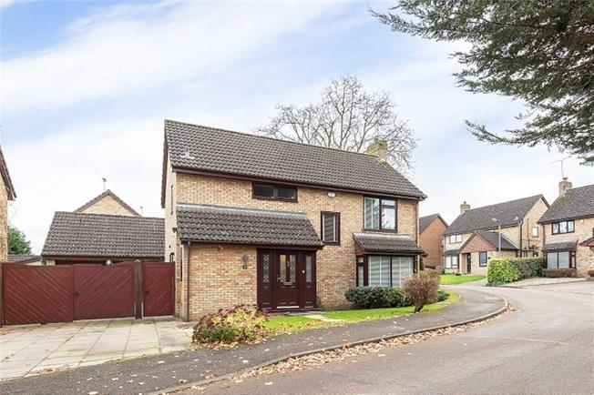 Guide Price £859,950, 4 Bedroom Detached House For Sale in Harpenden, Herts, AL5