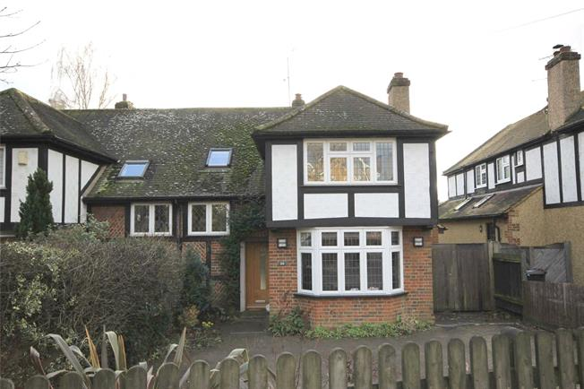 Guide Price £899,950, 4 Bedroom Semi Detached House For Sale in Harpenden, AL5