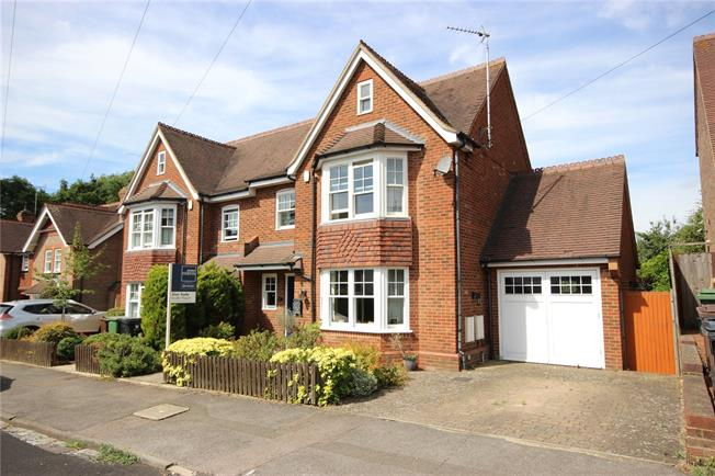 Guide Price £895,000, 3 Bedroom Semi Detached House For Sale in Harpenden, AL5