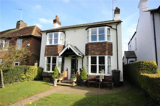 Guide Price £1,125,000, 3 Bedroom Detached House For Sale in Hertfordshire, AL5