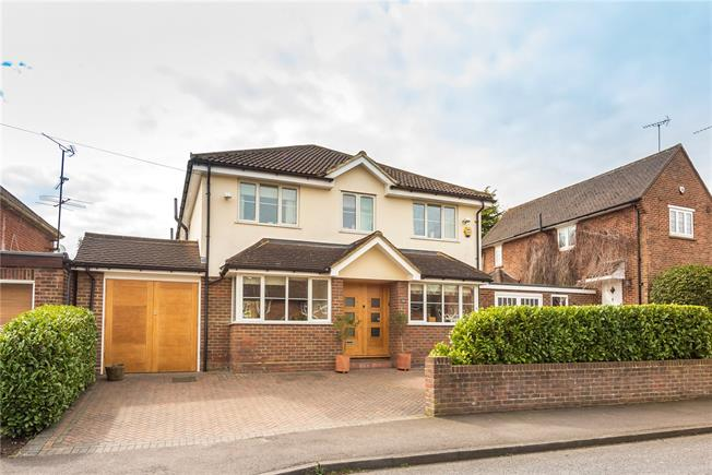 Asking Price £1,395,000, 5 Bedroom Detached House For Sale in Hertfordshire, AL5