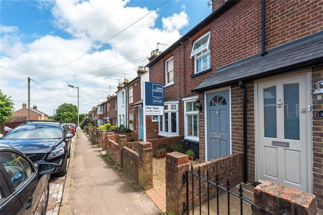 Guide Price £499,995, 2 Bedroom Terraced House For Sale in Harpenden, AL5