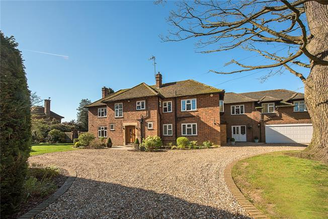 Guide Price £2,400,000, 6 Bedroom Detached House For Sale in Hertfordshire, AL5